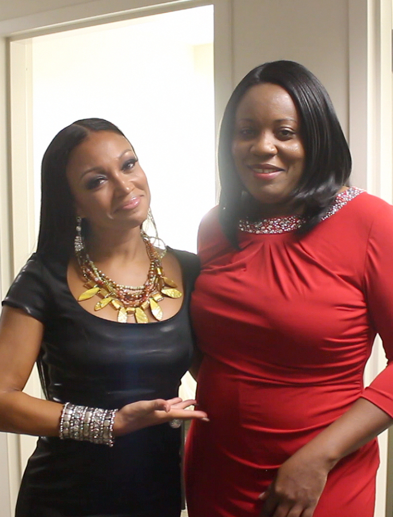 L to R: Singer Chante-Moore wearing a TeKay Design necklace and Kimma Wreh